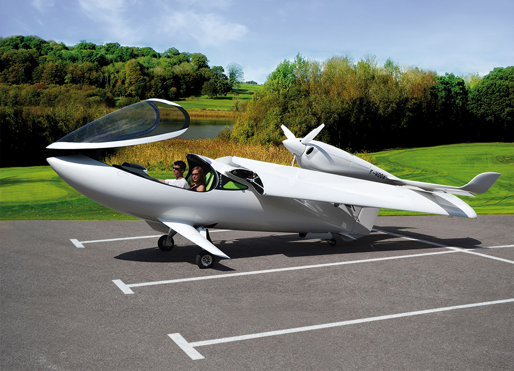 Akoya with folding wings on a parking slot